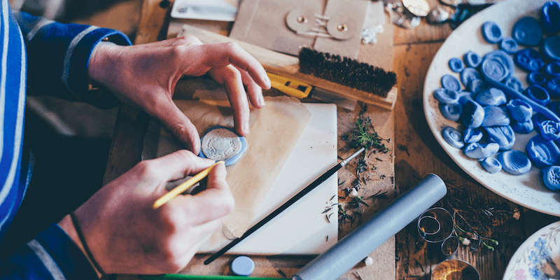 Amazon Handmade: A craftswoman works with clay