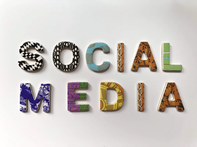 """graphic with the word """"social media"""""""